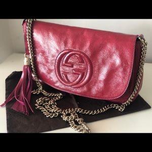 Gucci Bags - Soho Crossbody GUCCI Fuchsia! SALE 😵🔥
